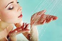 Как правильно девушке принимать контрастный душ