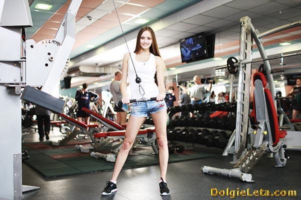 Как убрать живот и похудеть в спортзале девушке: упражнения и тренировки.