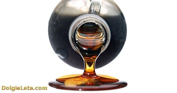 Кленовый сироп в бутылке