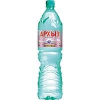 Бутылка минеральной воды Архыз.