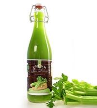 Полезный сок сельдерея для похудения в бутылке