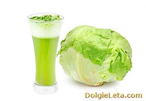 стакан сока из белокачанной капусты и качан