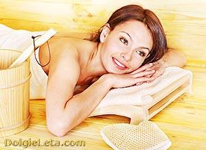 Женщина в сауне - польза для здоровья.