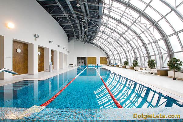 Бассейн в спортивном клубе на Павелецкой.