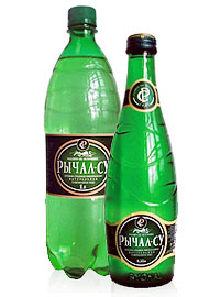 Две бутылки минеральной воды Рычал-Су.