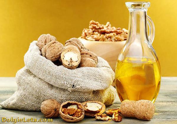 Состав грецких орехов, а также масло.