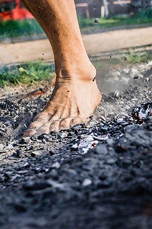 Хождение по раскаленным углям.