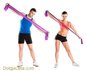 Занятия и упражнения с ленточным эспандером для мужчин и женщин.