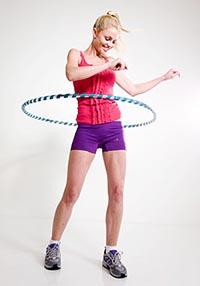 Как правильно научиться крутить хулахуп. Упражнения. Польза и вред от обруча.