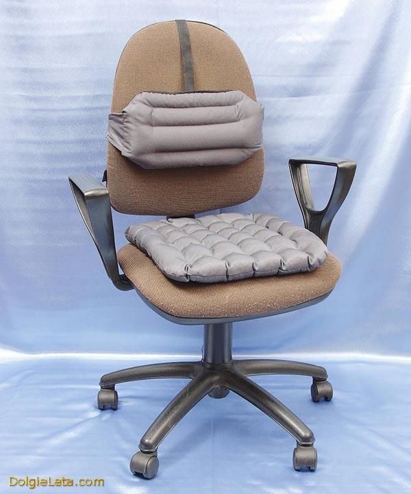 Фото ортопедических подушек для офисного кресла на сидение и под спину для позвоночника.