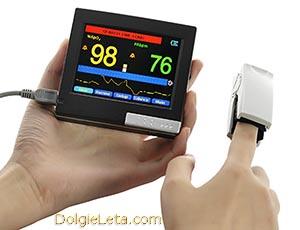 Фитнес браслет с пульсометром на руку. Приборы для измерения пульса при физической активности.