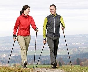 Nordic Walking - Скандинавская ходьба - техника - фото семейной пары