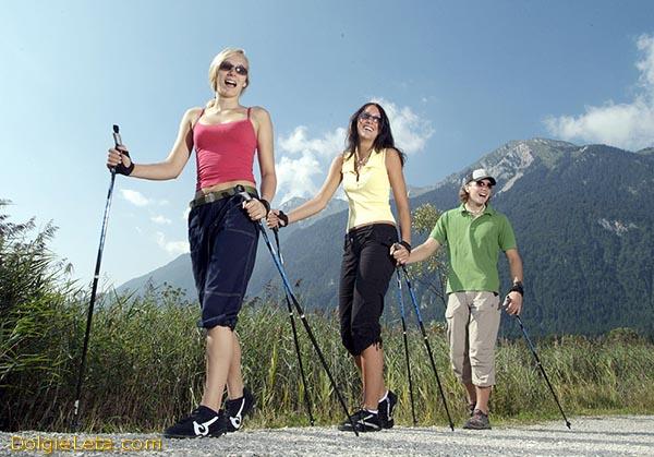 Чем полезна скандинавская ходьба - польза и вред  для здоровья.