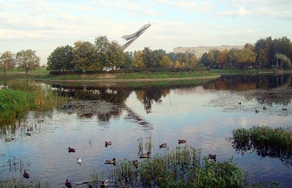 Утки на пруду в парке Авиаторов - СПб.