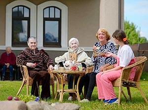 Частные дома престарелых и пансионаты для пожилых людей в СПб.