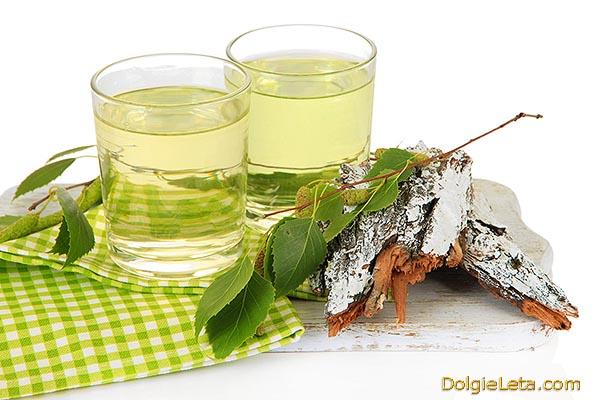 Чем полезен березовый сок - свойства и состав напитка.
