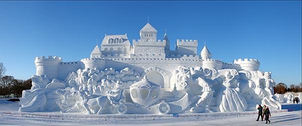 Ледяные и снежные скульптуры