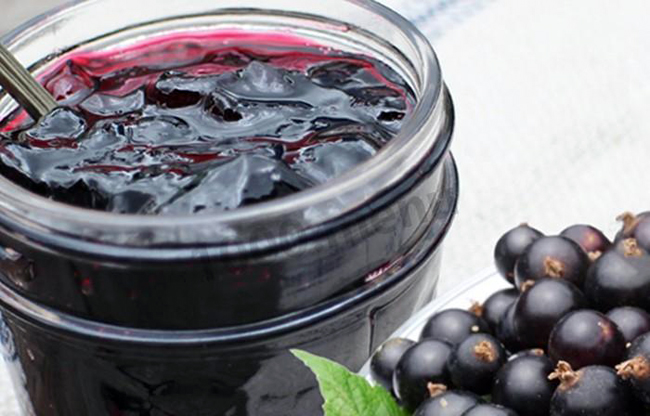 Фото желе-варенье из черной смородины - простые рецепты на зиму