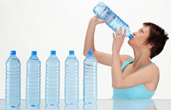 Употреблять много воды для похудения